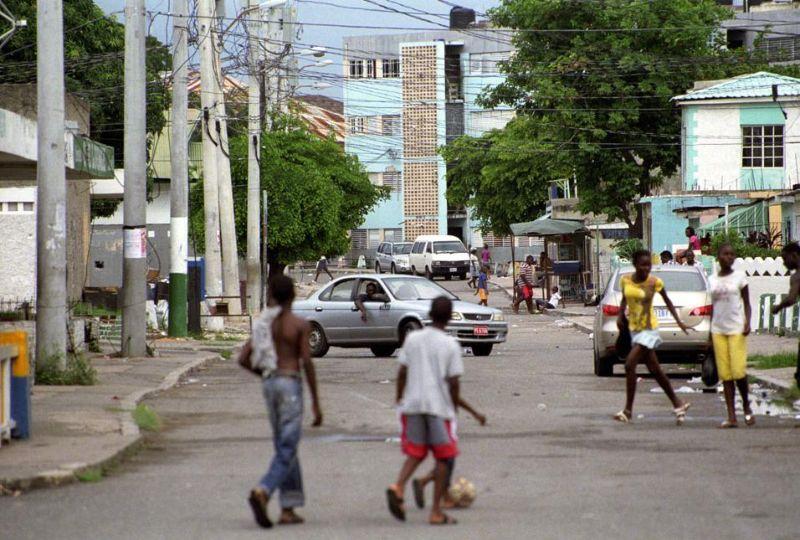 Столица Ямайки превратилась в трущобы