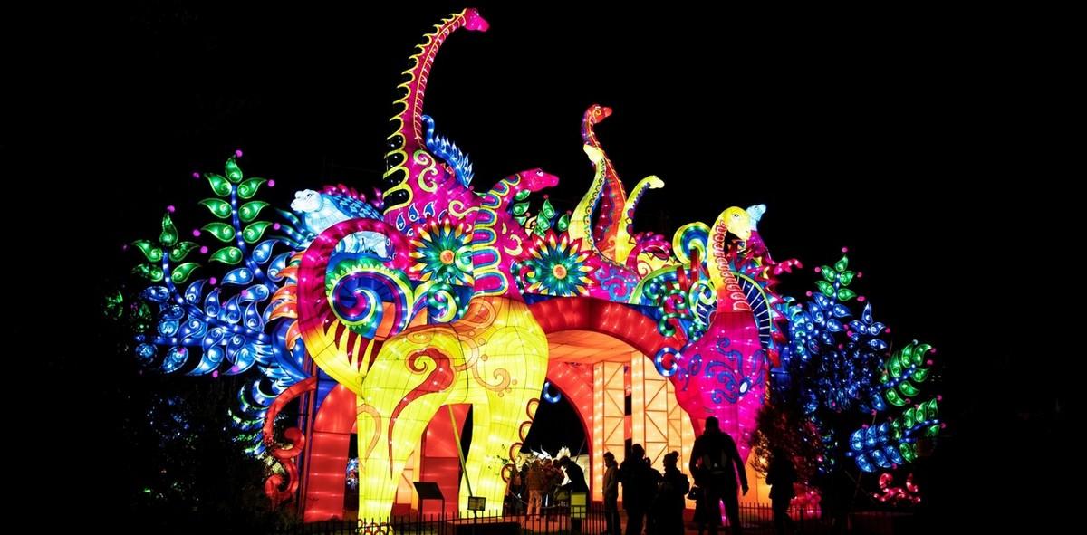 Яркий фестиваль света в Париже