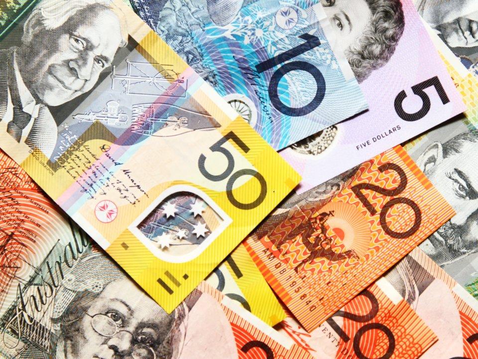 Красивые и необычные валюты разных стран
