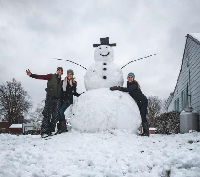 Моментальная карма за попытку уничтожить снеговика