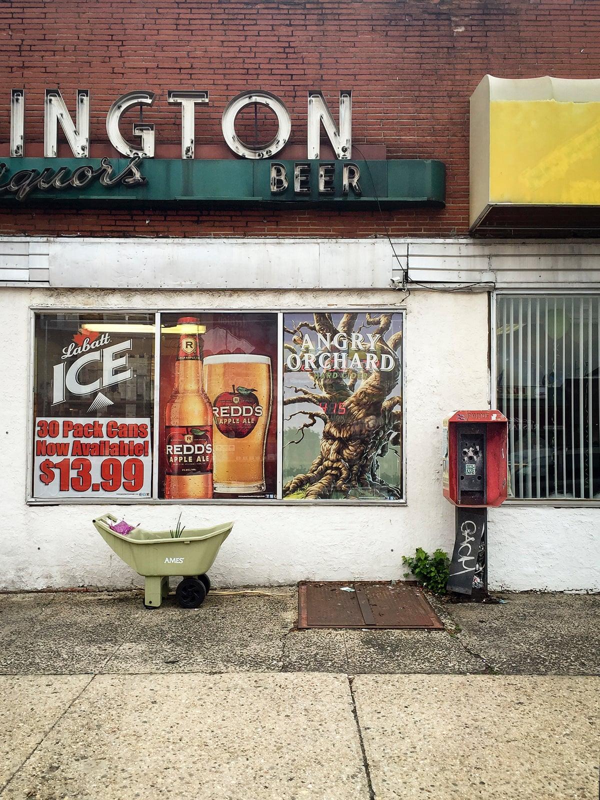 Таксофоны на улицах Нью-Джерси, снятые на iPhone