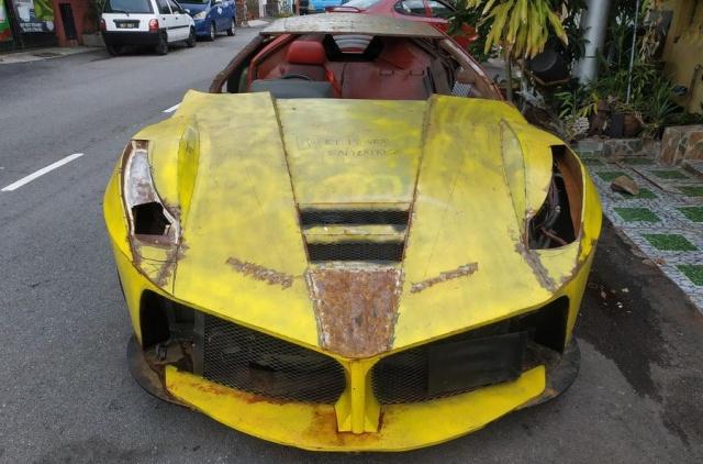Житель Малайзии попытался сделать реплику Ferrari LaFerrari