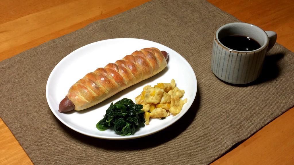 Деревянная еда от японского художника