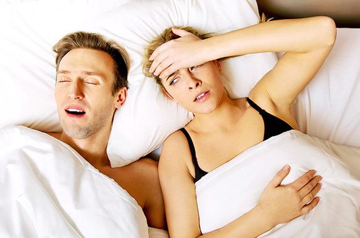 Как перестать крутиться и не мешать партнеру спать