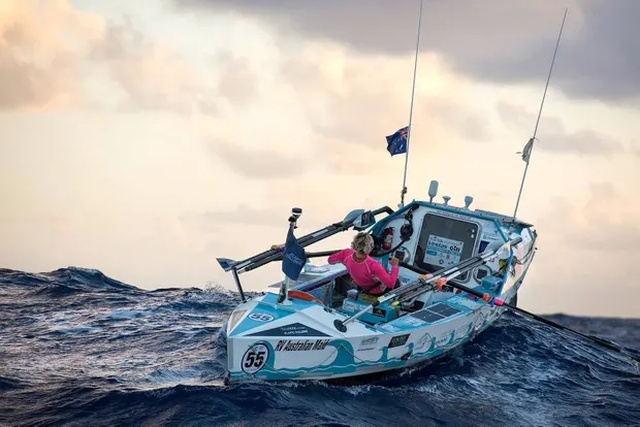 Мишель Ли пересекла Атлантический океан на гребной лодке