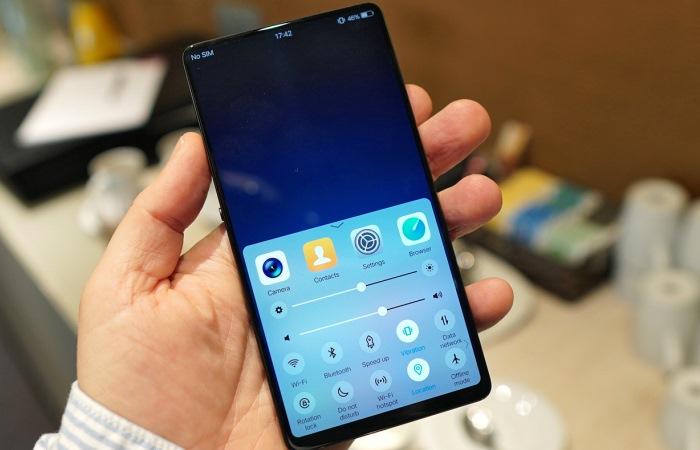 Новые смартфоны без кнопок и разъемов