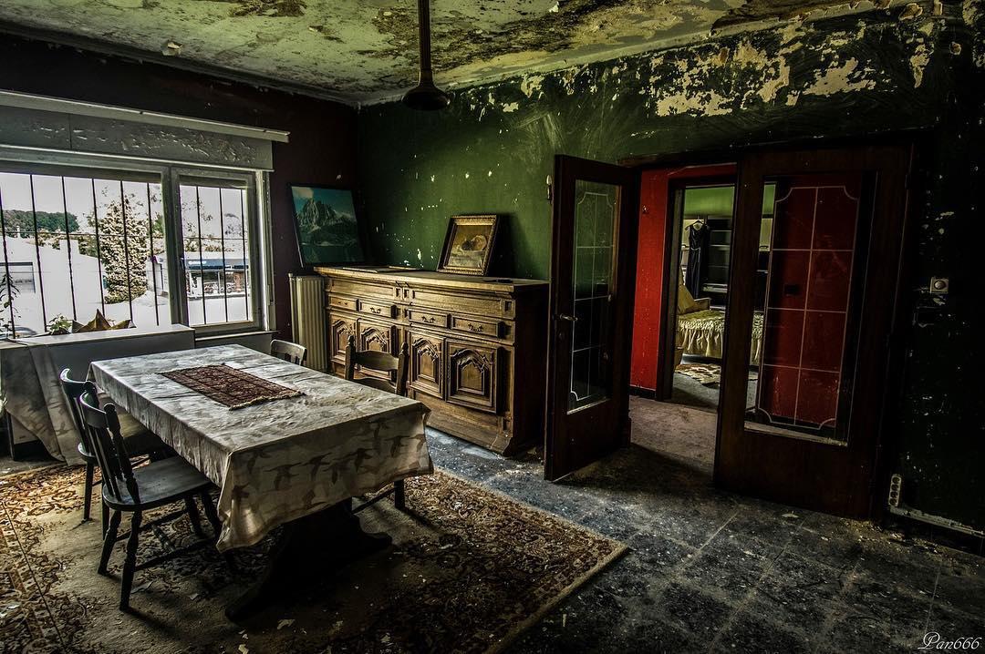 Заброшенные места на снимках Яна Тилла