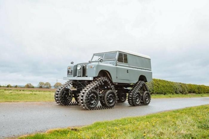 Cuthbertson — очень редкий Land Rover Series II на гусеницах