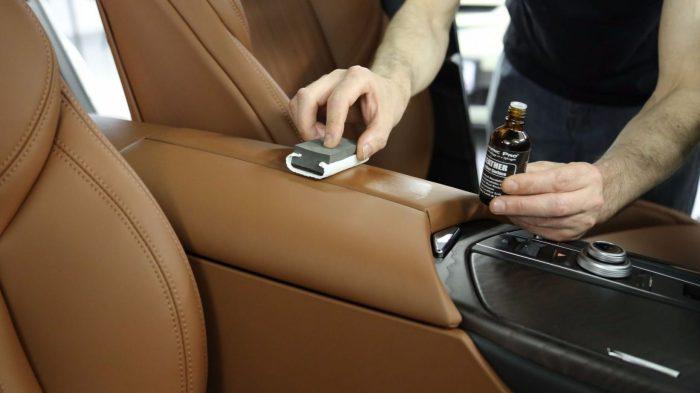 Как правильно ухаживать за кожаным салоном автомобиля
