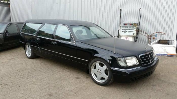 Mercedes-Benz W140 превратили в катафалк с кожаной крышей