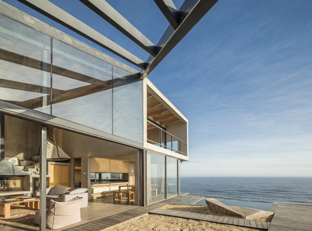 Резиденция на берегу океана в Чили