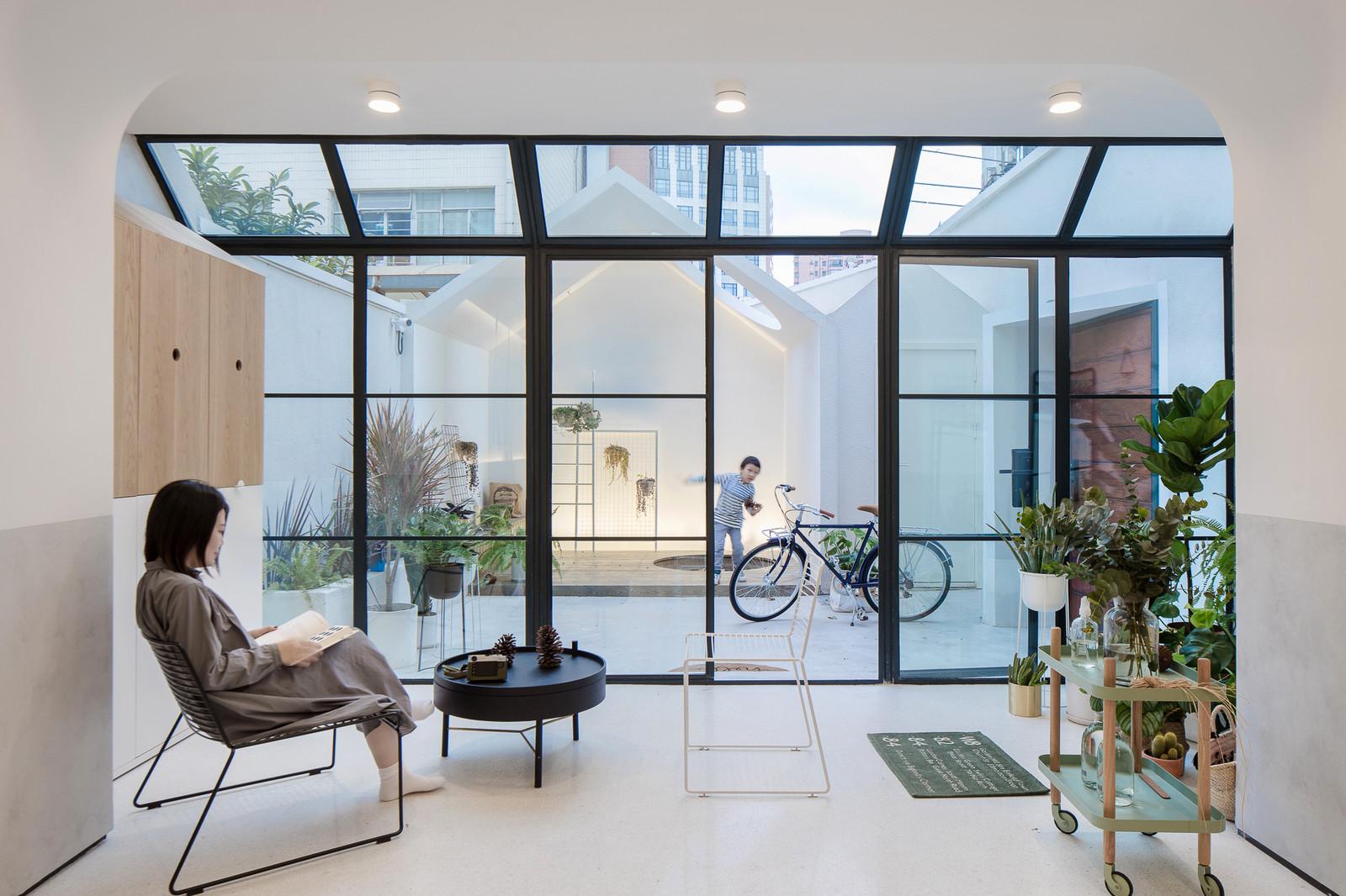 Резиденция, увеличивающаяся в размерах