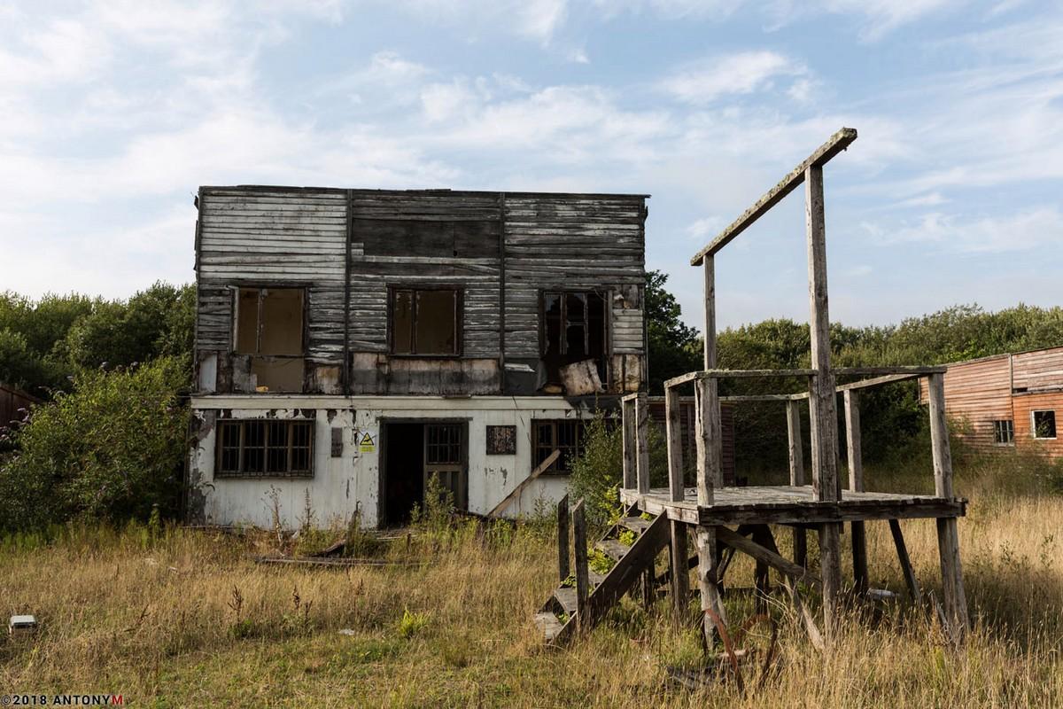 Заброшенный тематический парк «Дикий Запад» в Корнуолле