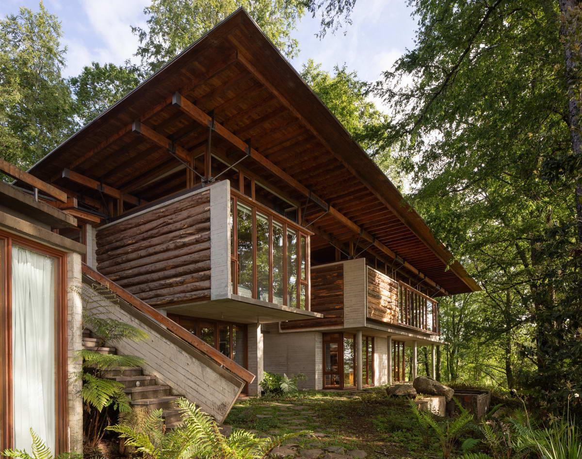 Дом в Чили из бетона, дерева, стекла и металла