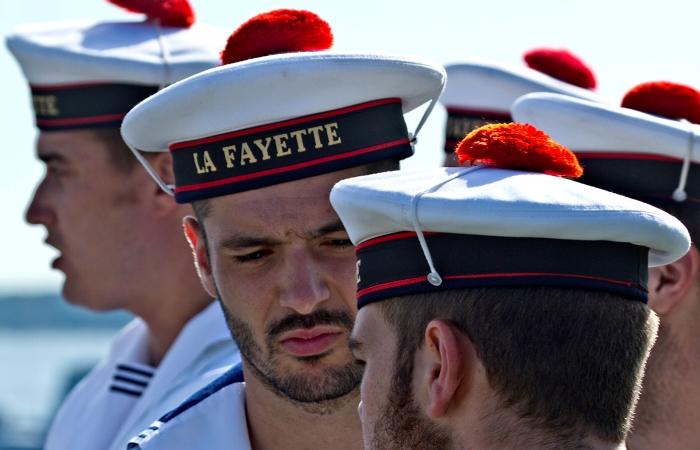 О появлении красного помпона на бескозырке французских моряков