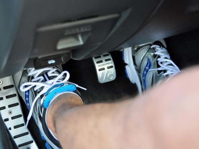 Повседневные действия водителей, которые вредят автомобилю