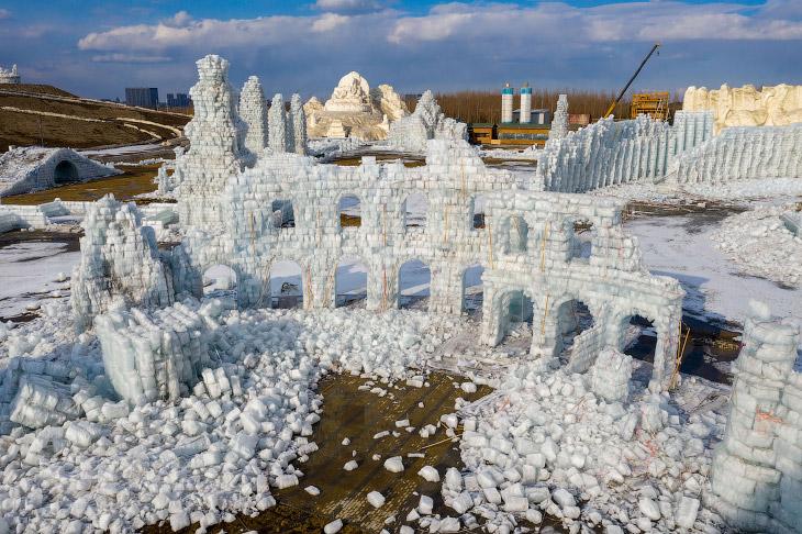 Таяние города ледяных скульптур в Харбине