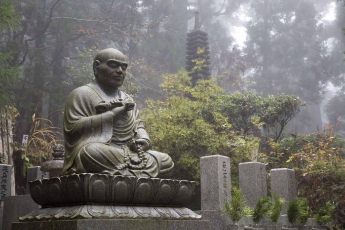 Удивительные кладбища в разных странах мира
