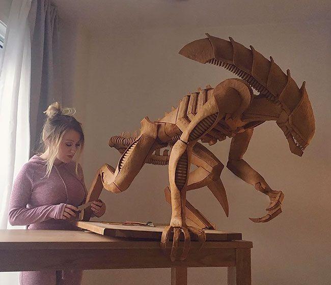 Художница собрала из пряников скульптуры Чужого и Дарта Вейдера