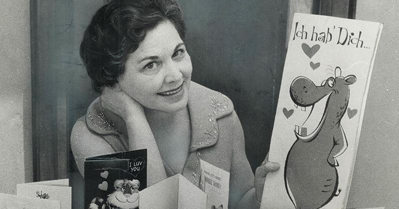 Женщина каждый год получала открытки от тайного поклонника