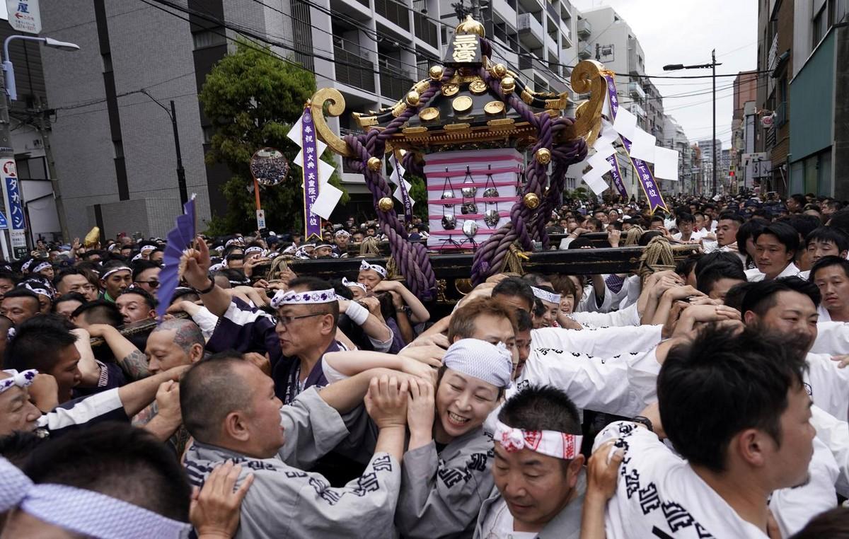 Ежегодный фестиваль «Мацури» в Токио