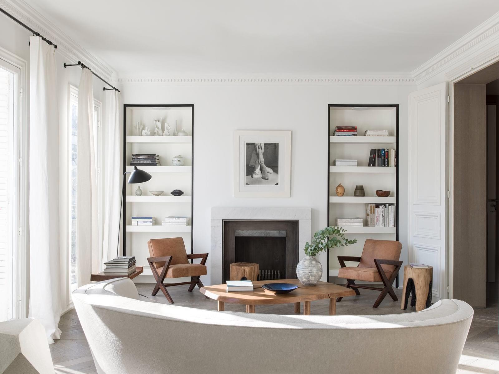Роскошный интерьер современной квартиры в Париже
