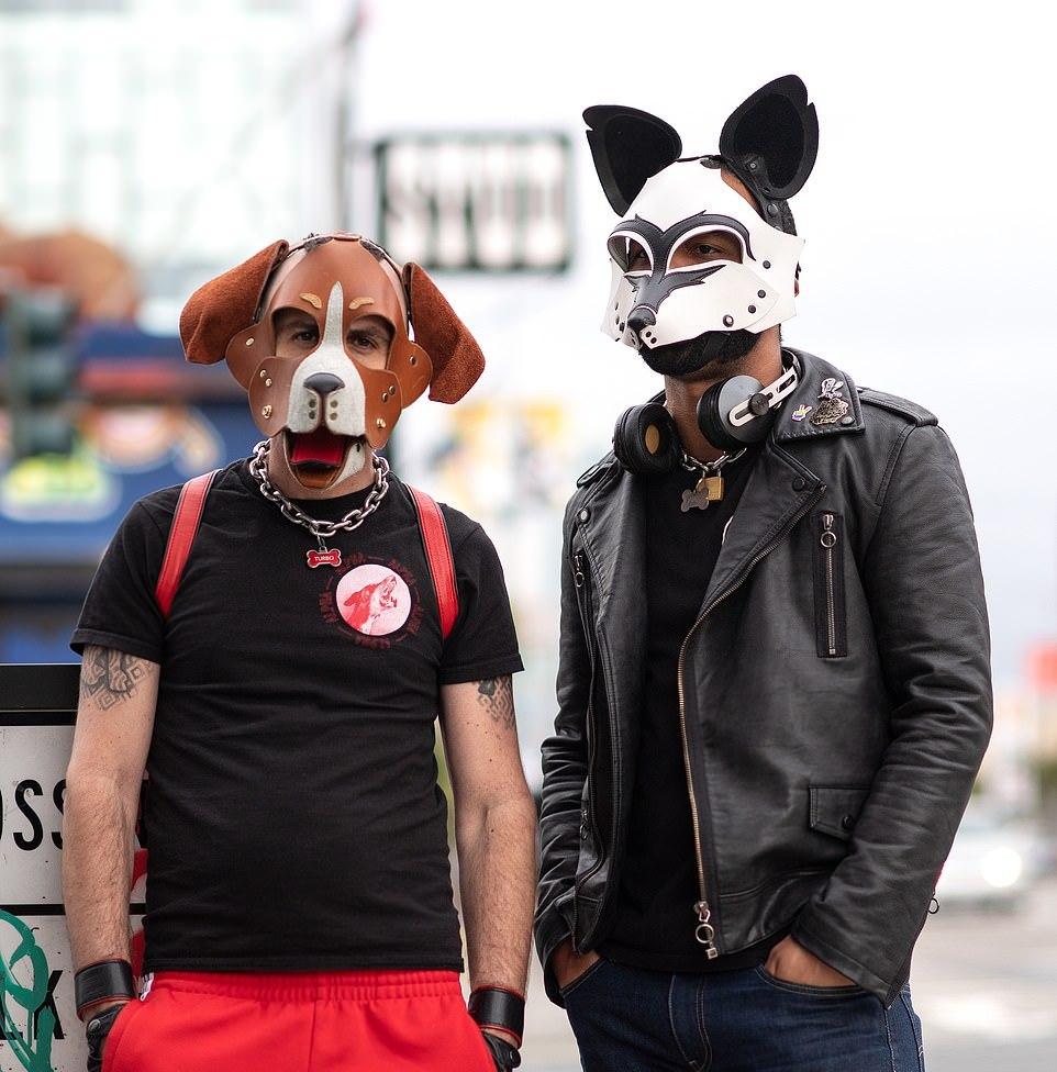 Субкультура «Pup play» в Сан-Франциско, участники которой ведут себя как собаки