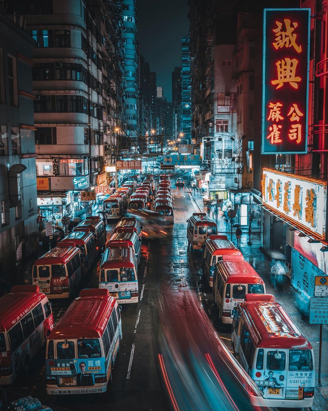 Волшебные ночные снимки японских улиц от Джуна Ямамото