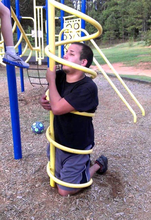 Взрослые хотели вспомнить детство, но застряли