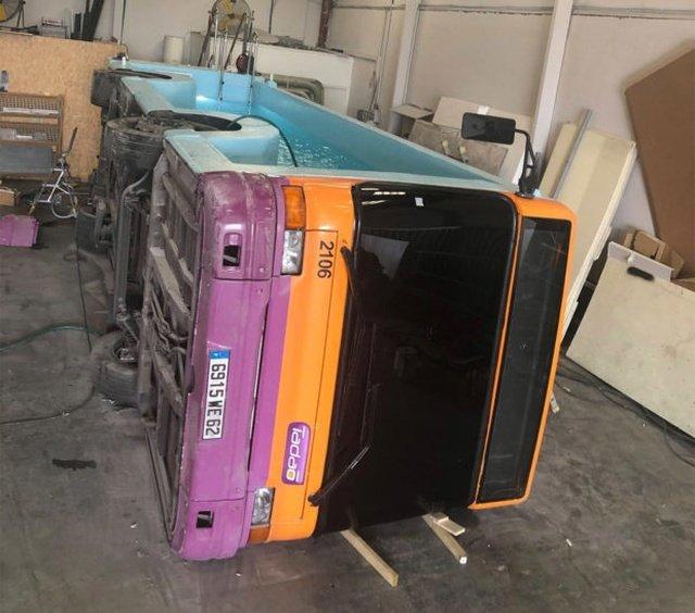 Во что можно превратить старый автобус?