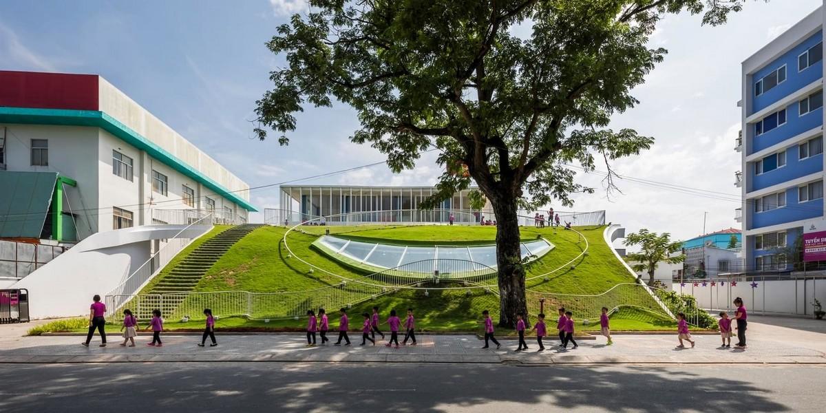 Детский сад с зелёной крышей во Вьетнаме