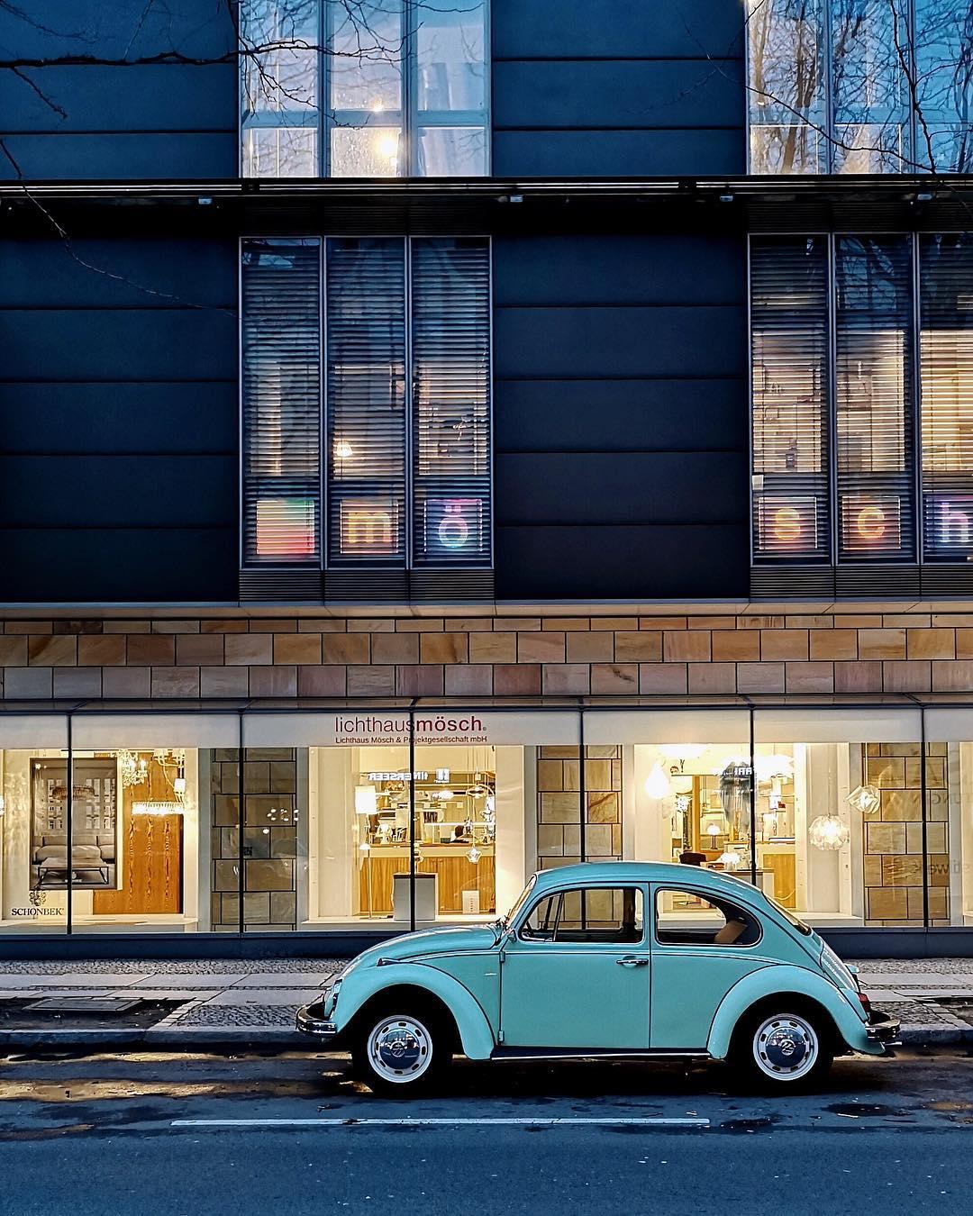 Грегор Клар снимает фасады и автомобили на улицах немецких городов