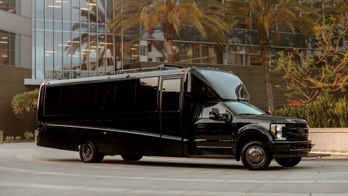 Lexani G-77 — роскошный офис на колесах
