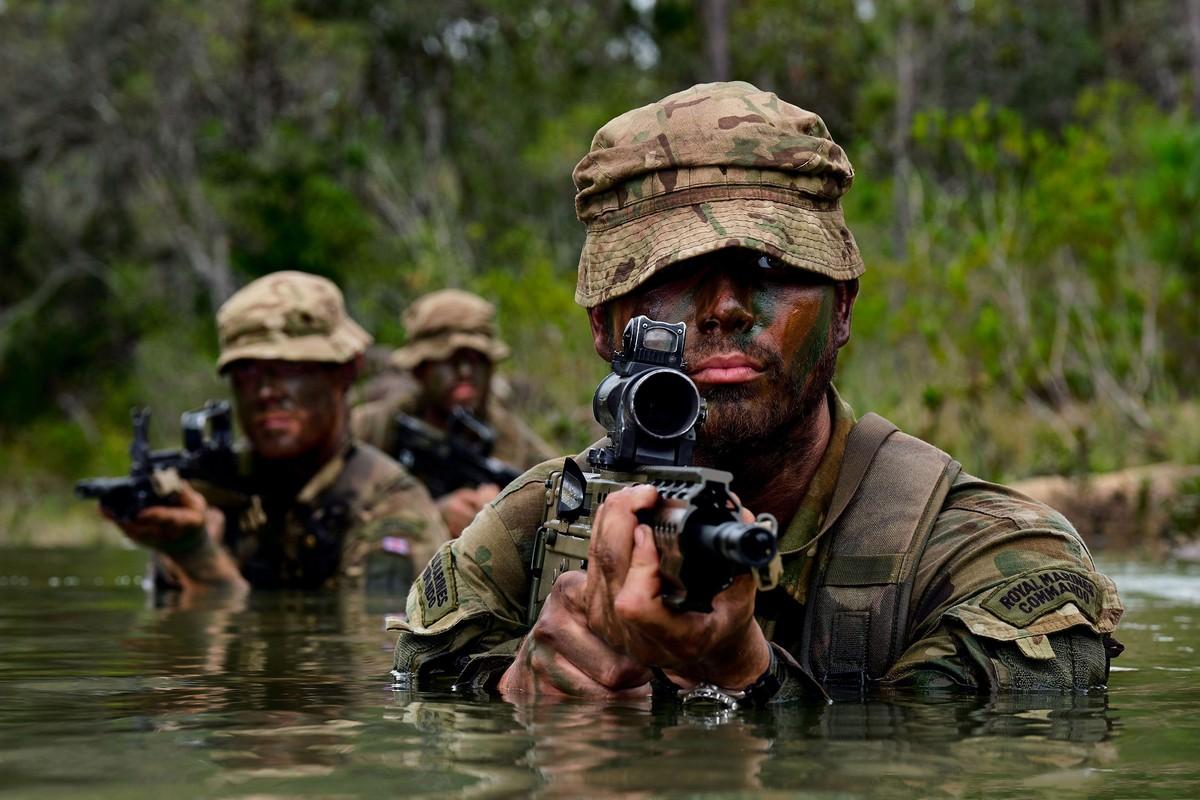 Лучшие снимки с конкурса военной фотографии ВМС Великобритании