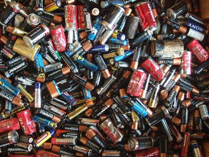Небезопасные бытовые отходы