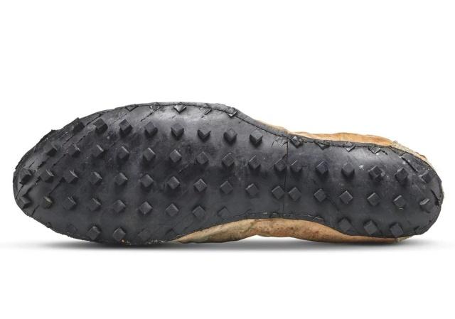 Редкие «Moon Shoe» кроссовки Nike за 437 500 долларов