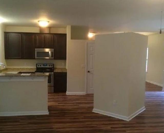 Странный «куб» посереди помещения