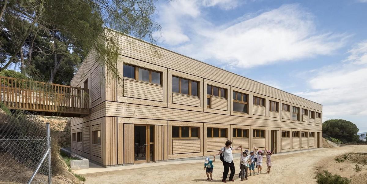 Детский сад и школа в Испании