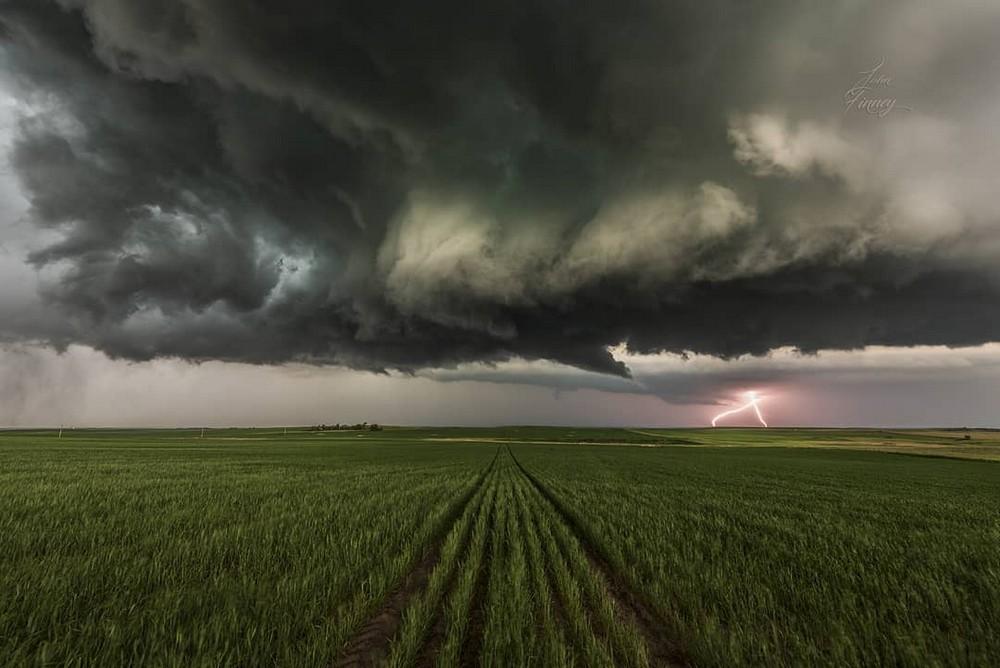 Красота штормов на снимках Джона Финни