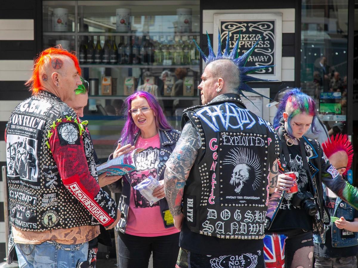 Крупнейший в мире панк-фестиваль в Блэкпуле