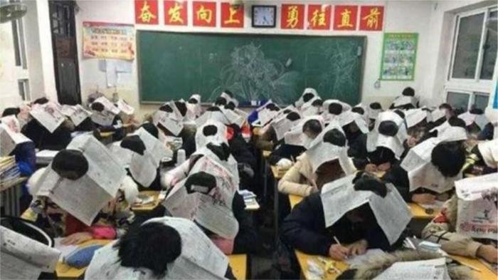 Очень странные традиции в школах разных стран