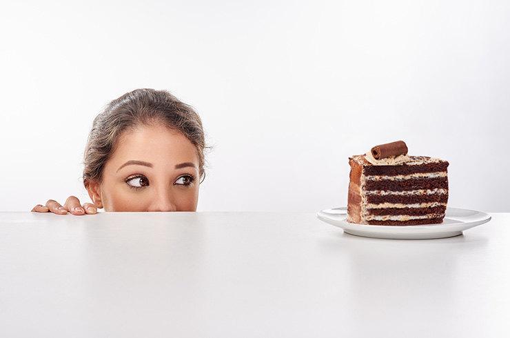 Почему организм хочет вредную еду?