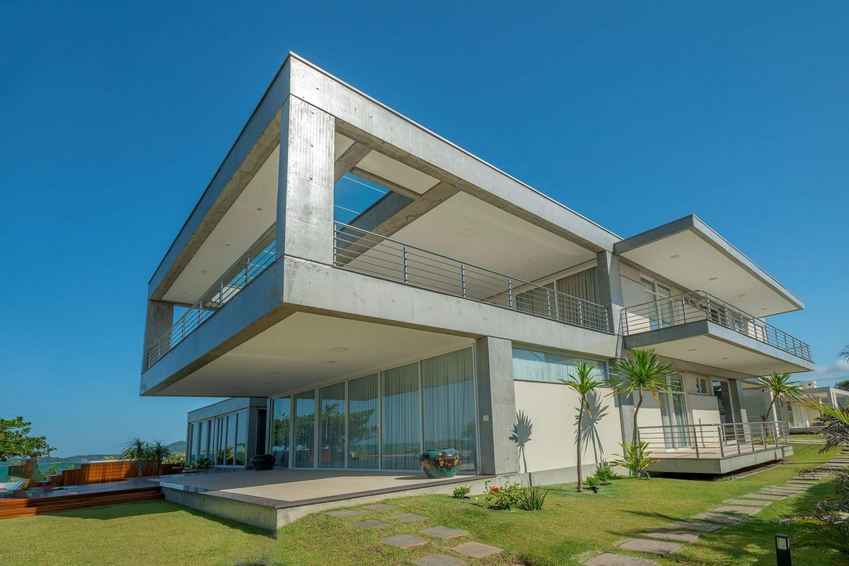 Стильная резиденция с видом на море в Бразилии