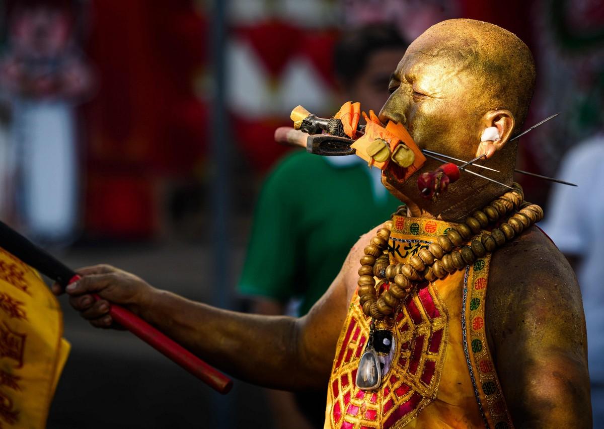 Буддистский фестиваль Девяти Богов Императоров в Таиланде