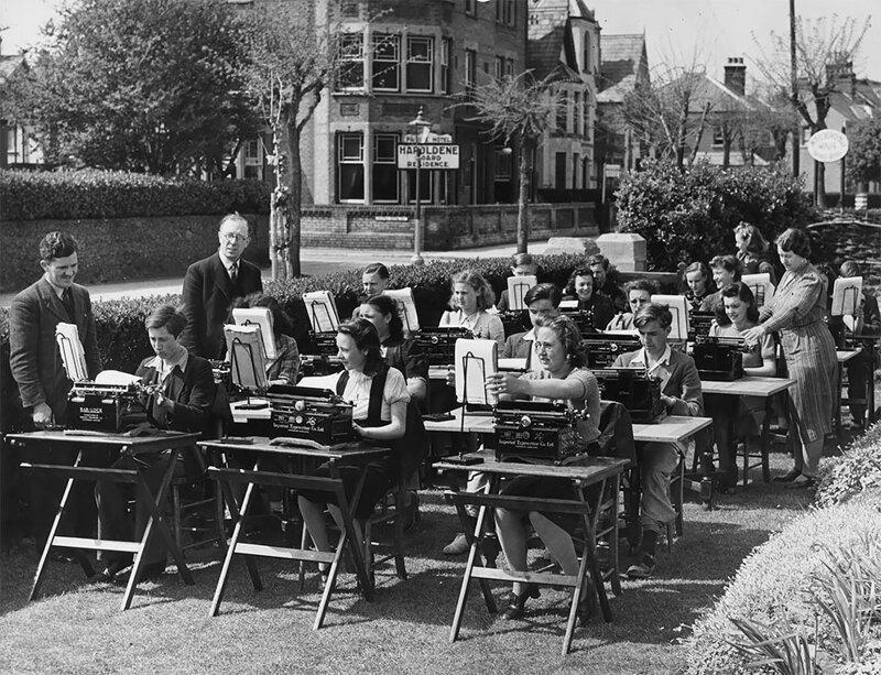 Фотоподборка из эпохи пишущих машинок