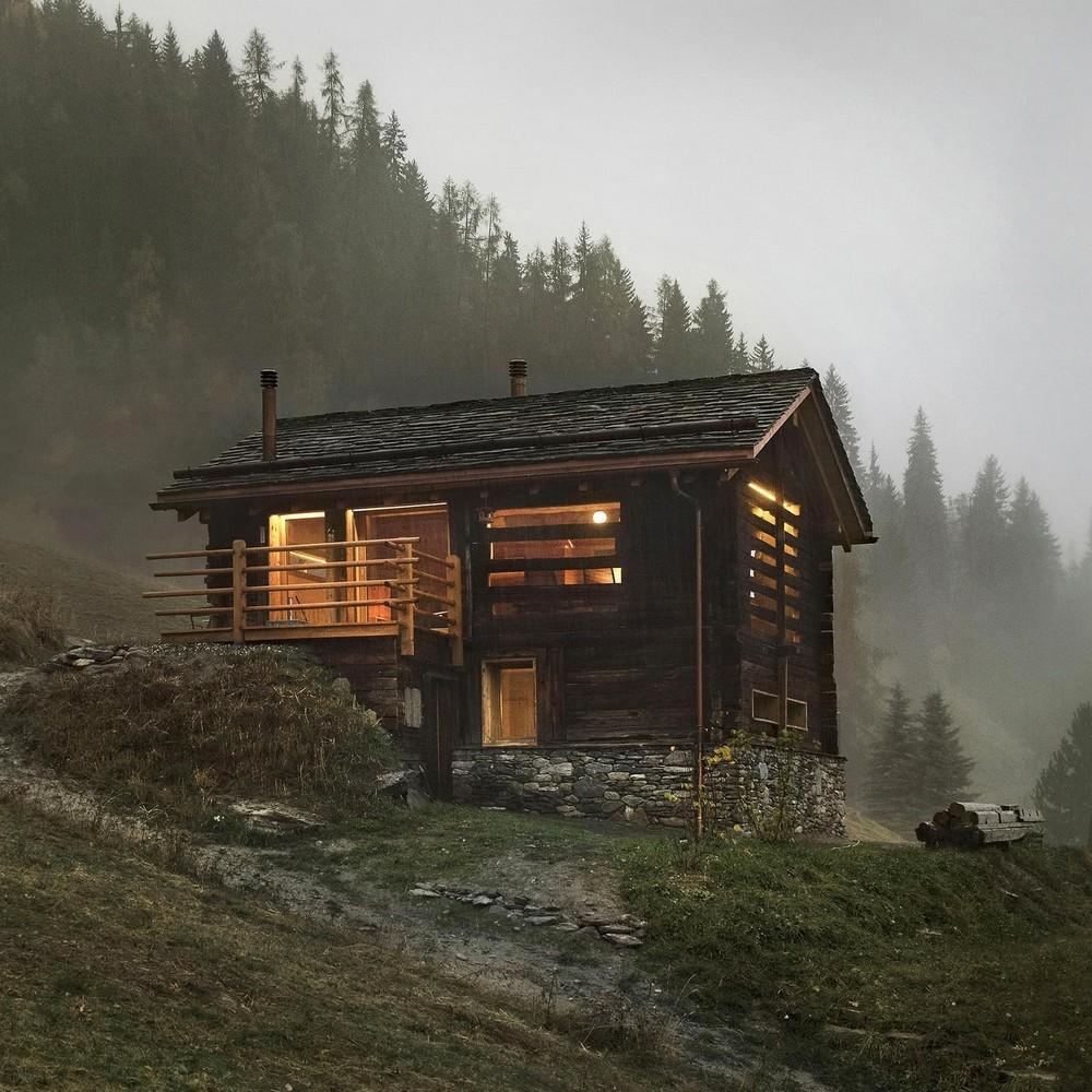 Новая жизнь загородного дома в горах Швейцарии