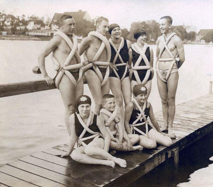 Архивные снимки, показывающие не самую приглядную сторону истории