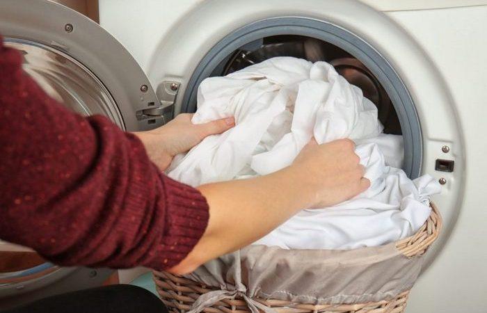 Не позволяй пододеяльнику «съедать» белье во время стирки в машинке