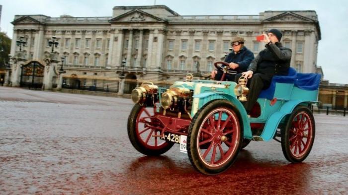 Один из первых автомобилей будет выставлен на аукцион