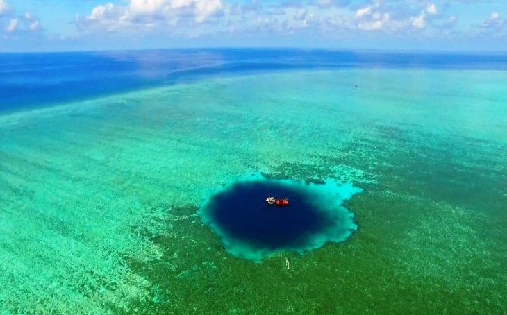 Самые известные «синие дыры» в мире